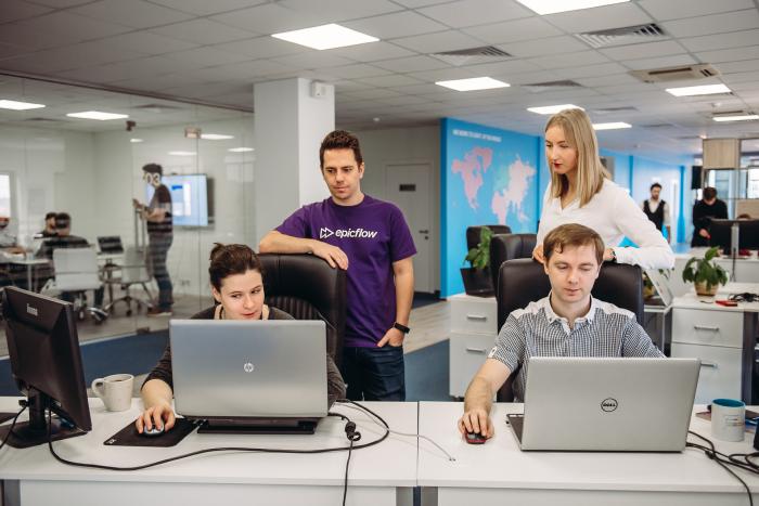 Epicflow team discussing project management goals