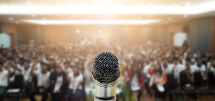 how_to_master_public_speaking_tips_from_world_famous_speakers