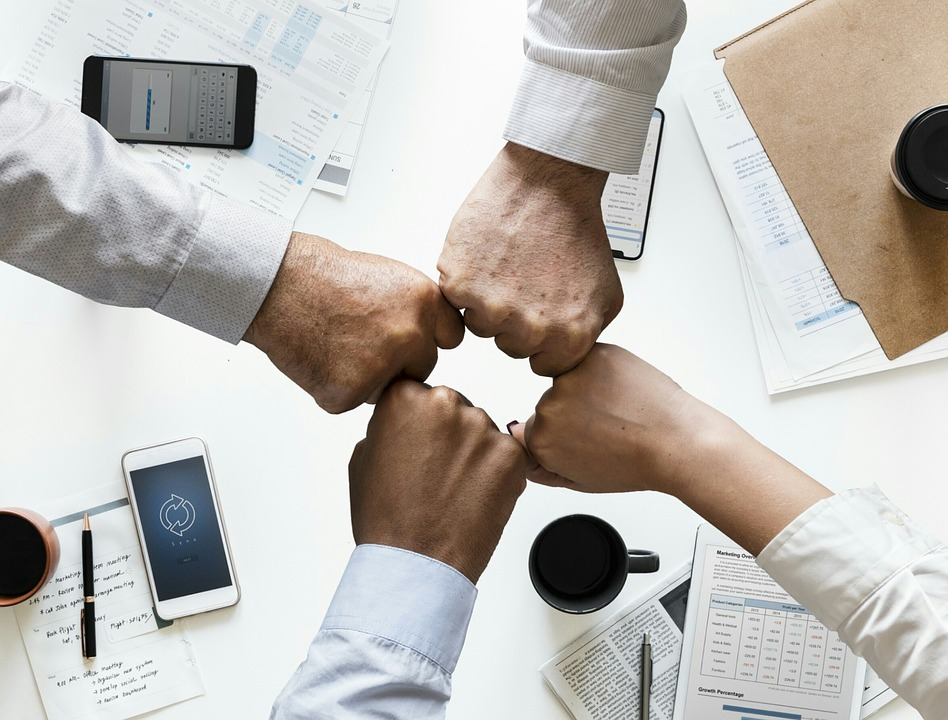 7 Benefits of Managing People in the Company